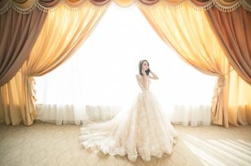 Fairy Tales Misconstrued Women's Views of Relationships